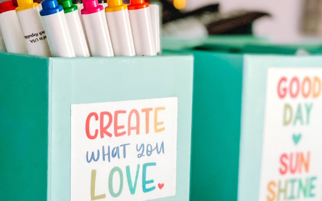 A Dozen Arts and Craft Supplies To Keep Within Reach