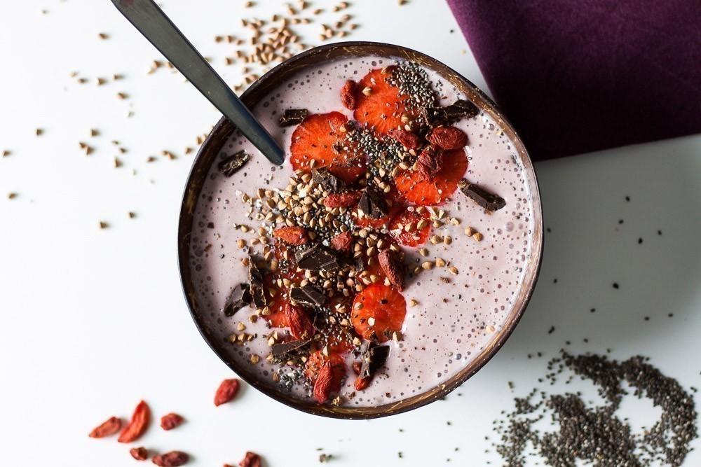 vegan recept smoothiebowl met bessen