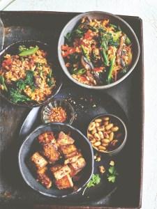 vegan recept gebakken rijst met kimchi groenten en gemarineerde tofu