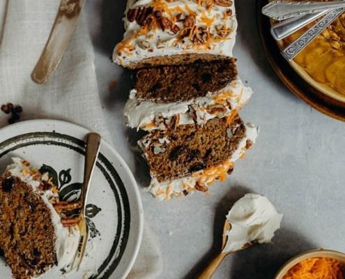 Gâteau aux carottes végétalien et son glaçage à la crème au beurre