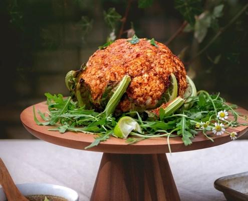 Chou-fleur rôti au barbecue avec marinade tandoori