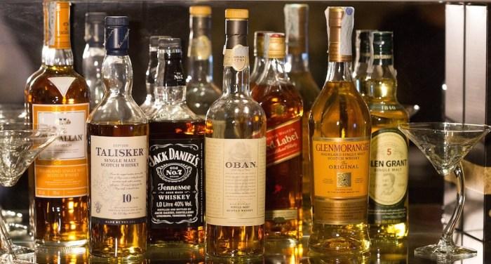 bottles-1235327_1280