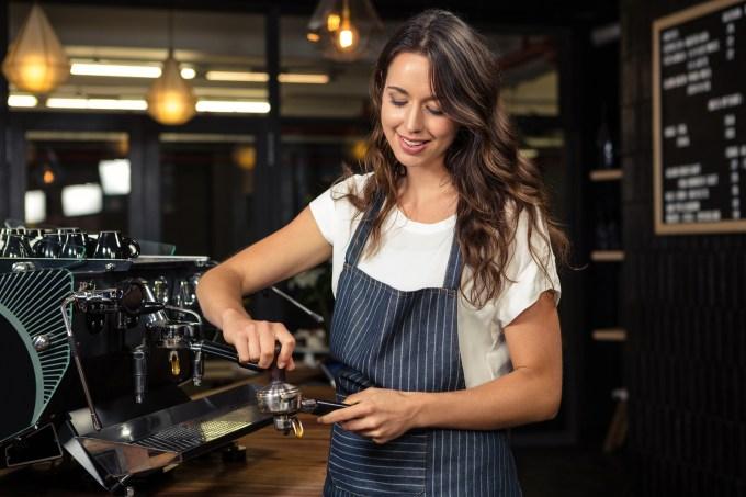 How to Use An Espresso Machine step 4
