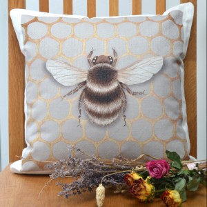 honeycomb-bee2