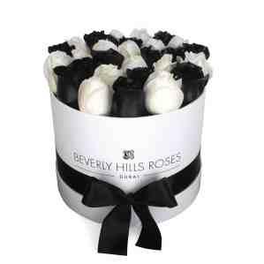 Small round white rose box in elegance