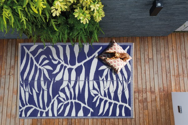 Beverly Rug Lightweight Indoor Outdoor Reversible Plastic Area Rug, Leaf Pattern blue and white