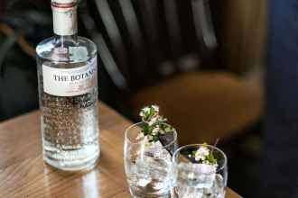 Botanist Gin Review