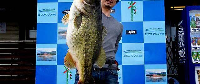 71cm!! (8500g/18.7lb)琵琶湖モンスター現わる!! (ビワコマリン) 7