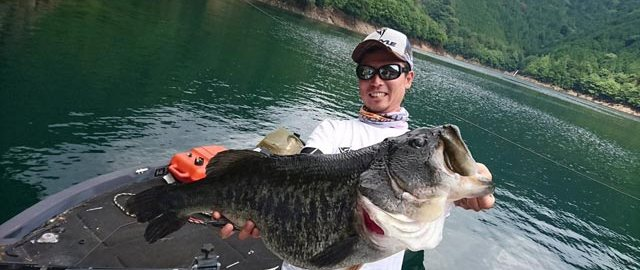 tweet釣果:池原モンスター!! 69.5cm (7580g)
