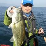琵琶湖バスフィッシングガイドリポート ~大阪様~ 42cm 20