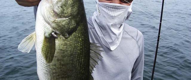 琵琶湖のラバージグ釣り 写真