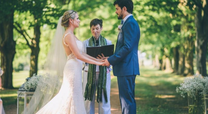 Things you must by no means put up on Social Media during Your wedding Day