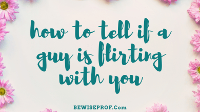 Photo of How to tell if a guy is flirting with you