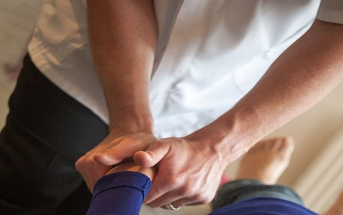 The magical use of hands is the forte of chiropractors in curing pain