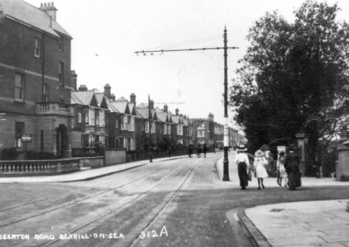 EGE-032 - Egerton Road and Park Road, Bexhill c1910