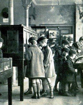 MUS-009 - Museum Schoolgroup c1928