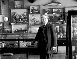 MUS-011 - Rev J C Thompson in Museum 1922