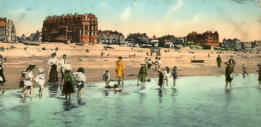HOT-007 - Metropole Hotel and Bexhill Beach - c1905