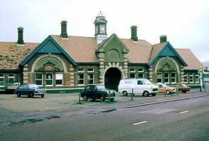 BW-065 - Bexhill West station forecourt in March 1978.