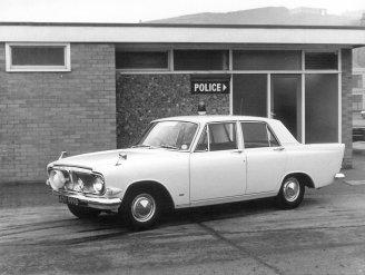 HO-024 - Ford Zephyr police car ADY999B 1960s