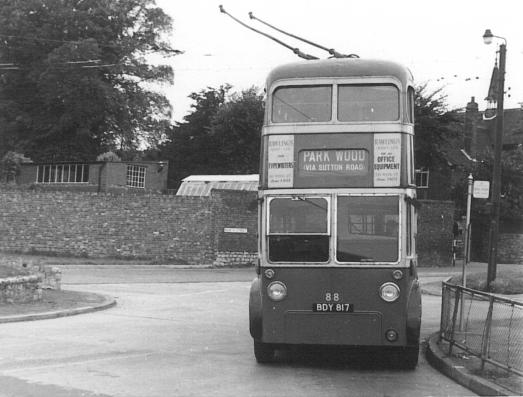 88 BDY817 serv to Park Wood