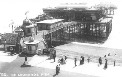 St Leonards Pier, elevated view from Promenade