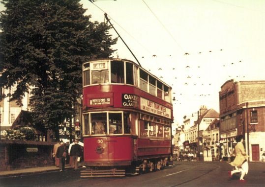100 serv 46 to Woolwich @ Erith Church 7.1952