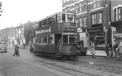 109 route 60 to Dulwich Library in Dulwich, post-war