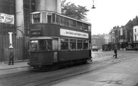 118 rout 58 to Blackwall Tnl @ St Alfege Church, Greenwich, postwar