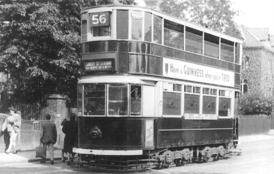 118 route56 to Strand @ Peckham Rye, wartime livery
