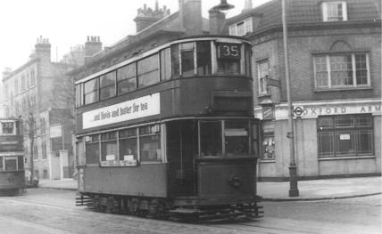 121 route 35 @ Oxford Arms PH, Westminster, post-war