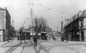 2, 30 + another tram, Silverhill from London Rd
