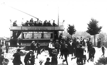 3 opening day side view, Hastings 7-1905