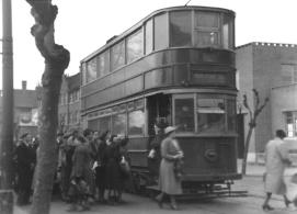 300 to Beresford Sq @ Woolwich Arsenal 22-3-1952