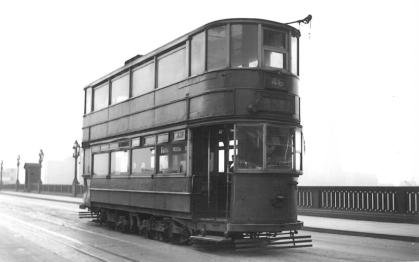 310 route 46 @ Southwark Bridge terminus 5-2-1952