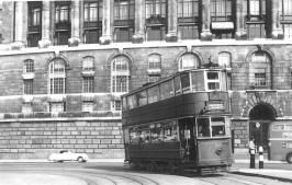 340 route 38 to Embankment @ Blackfriars Bridge curve 5-7-1952
