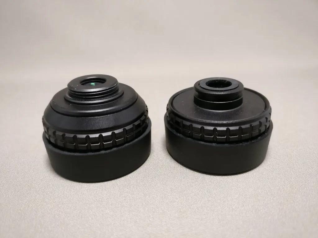 左側はねじ切ってあって洗濯バサミ式のクリップをねじで留める。右側はクリップを溝に差し込んで固定する。