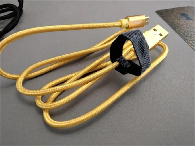 microusb ケーブル メッシュゴールド2