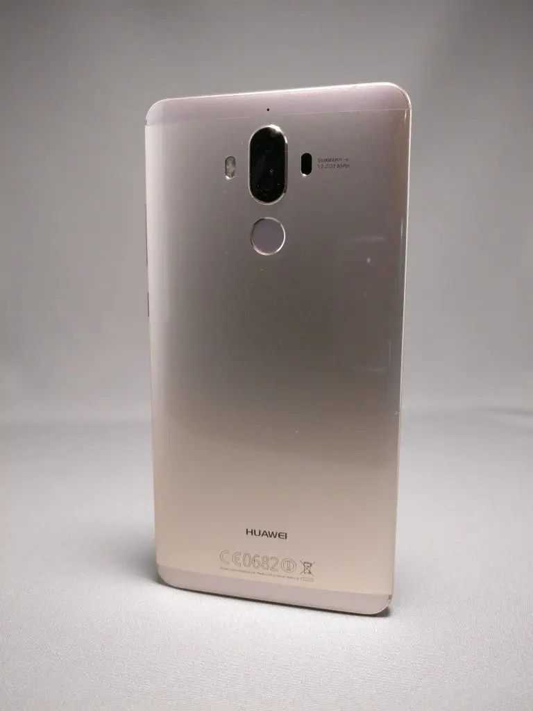 Huawei Mate 9 ゴールド 外観 裏面 7