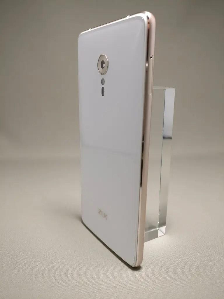 Lenovo ZUK Z2 Pro 裏3