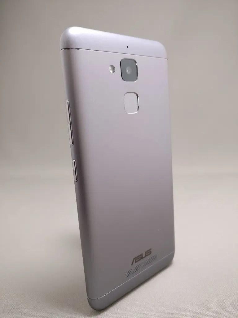 ASUS Zenfone Max 3 裏 1