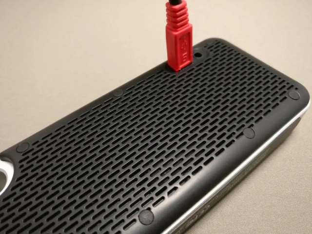 iina-style Bluetooth4.1スピーカー IS-BTSP03U 充電