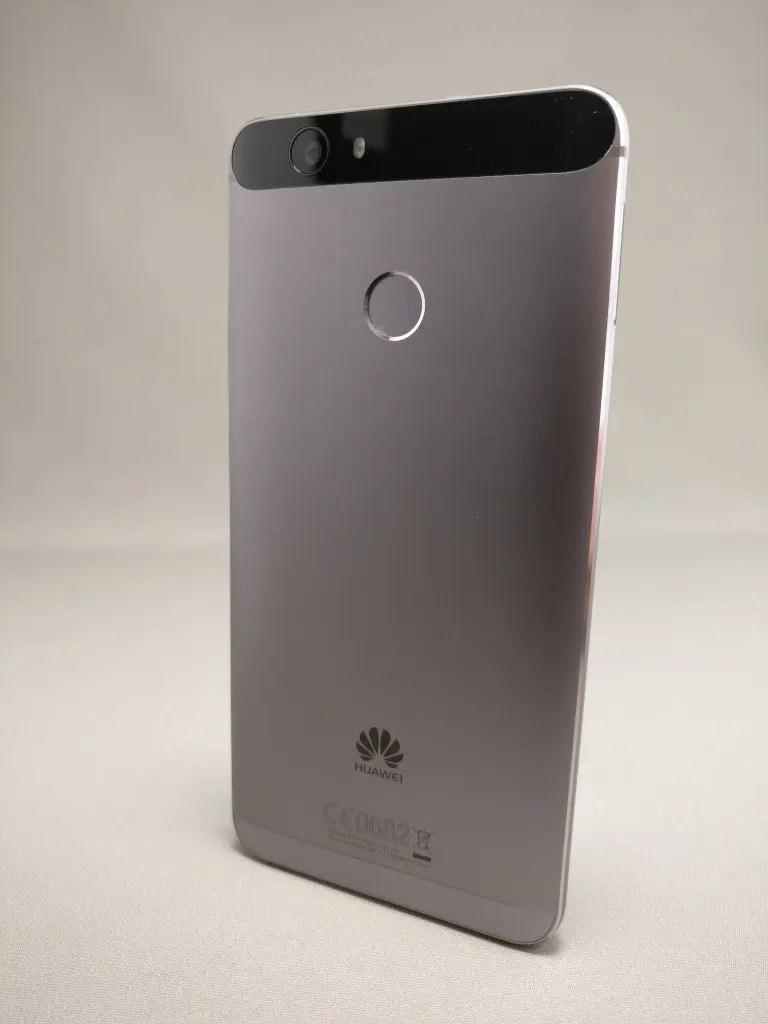 Huawei Nova 裏 6