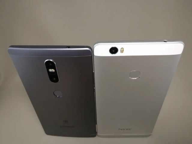 LENOVO Phab 2 Plus Huawei honor note 8と比較 裏 斜め