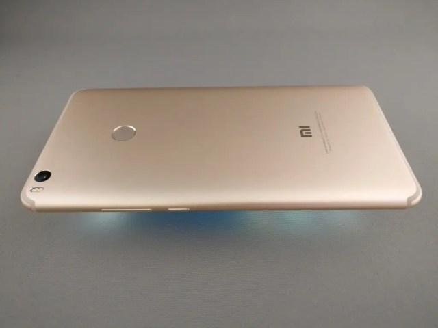 Xiaomi Mi Max 2 裏面 横