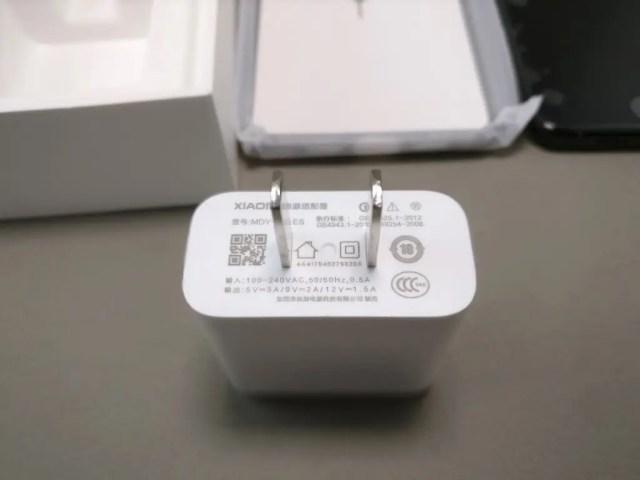 Xiaomi Mi6 開封 付属品 USBアダプタ