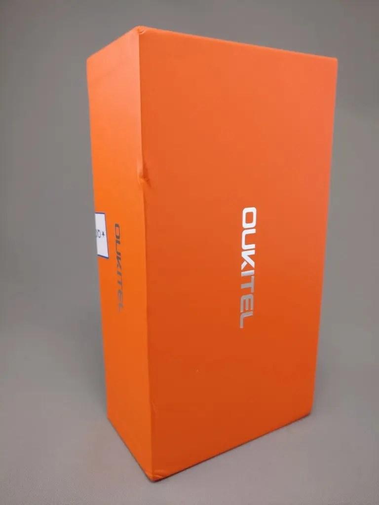 OUKITEL K6000 Plus 化粧箱 表 斜め