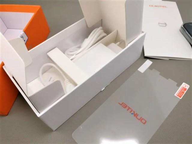 OUKITEL K6000 Plus 化粧箱 付属品