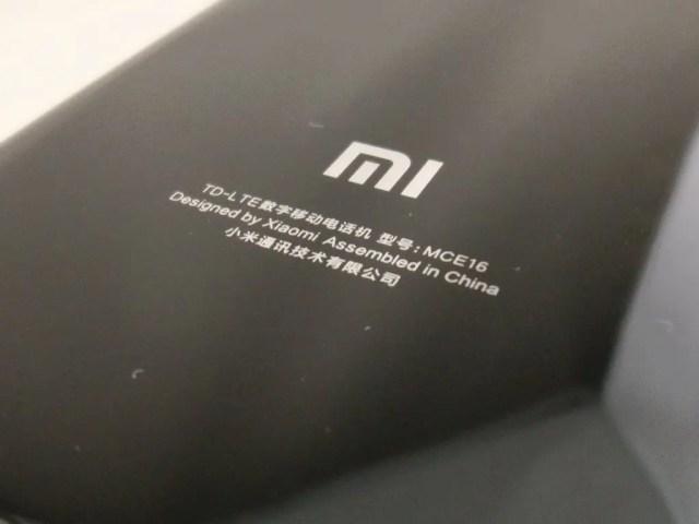 Xiaomi Mi6 裏面 MI