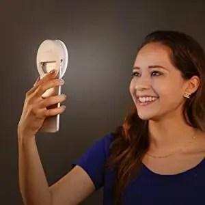 AUKEY LED リングライト 点灯 自撮り モデル2